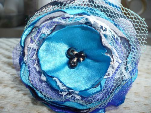 nastavitelný náramek s textilním květem