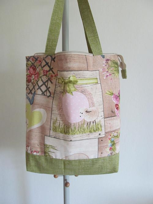 Nákupní taška s uzávěrem - pro jarní nákup