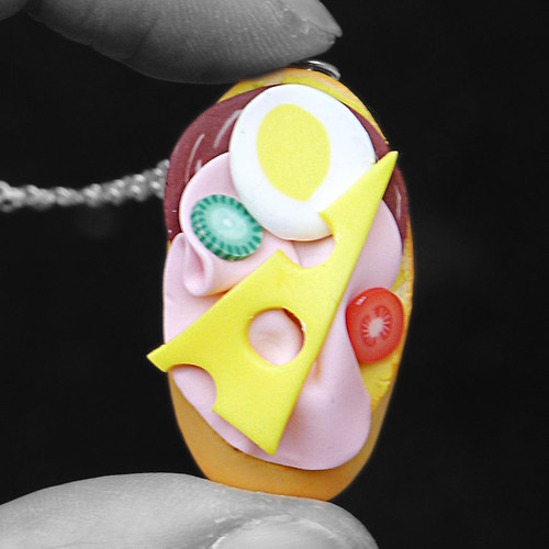 Chlebíček (dlouhý náhrdelník)