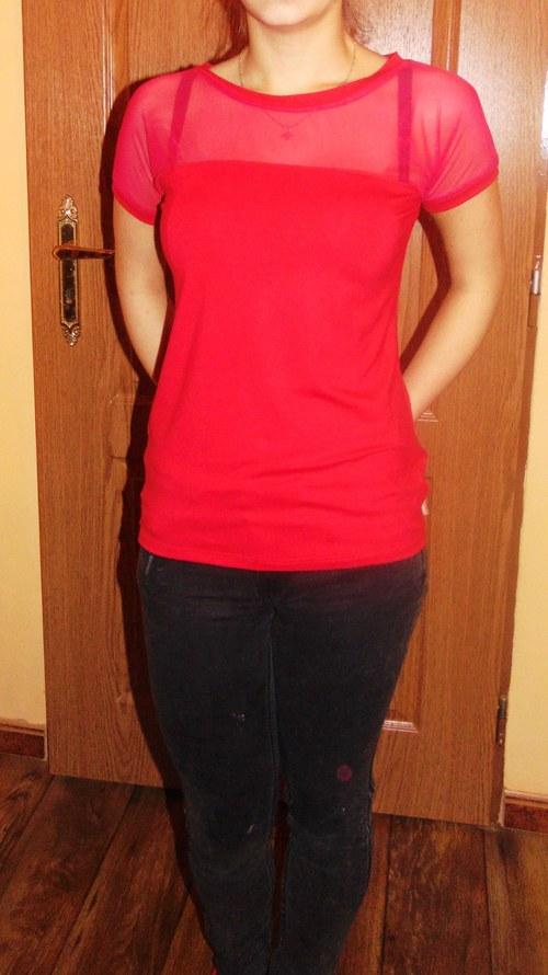 dámské červené tričko se síťovinou