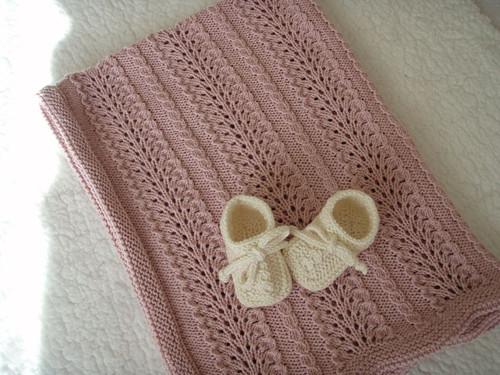 Merino - ručně pletená, krajková, dětská deka
