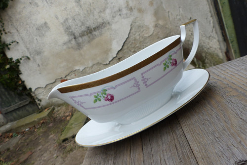 Omáčka z růžového pepře... porcelánový omáčník