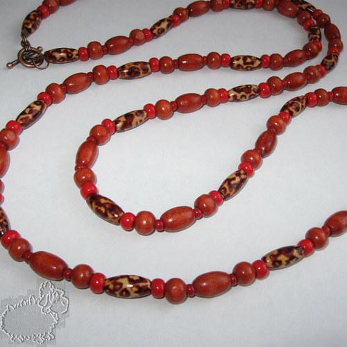 náhrdelník z dřevěných korálků