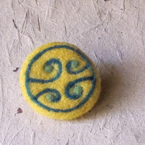 Brošňa - Špirálková žltá