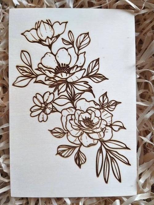 Dřevěná pohlednice - květinová
