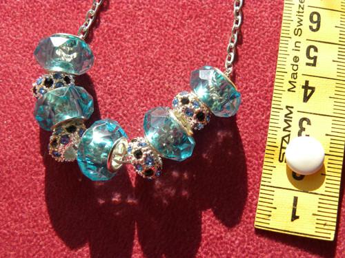 jemný  TYRKYSOVÝ  náhrdelník na  řetízku 150.-