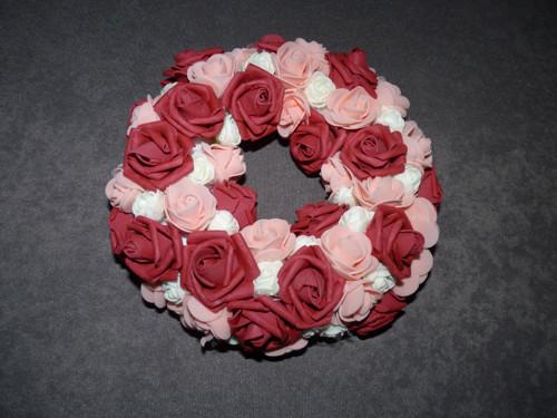 Rudý věnec z růží