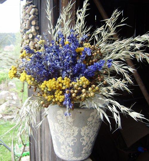 modro/žlutá kytice