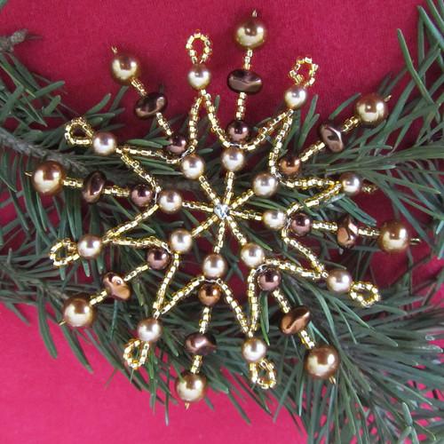 Vánoční hvězda šestnácticípá zlatohnědá