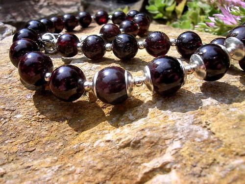 Granátový náhrdelník...
