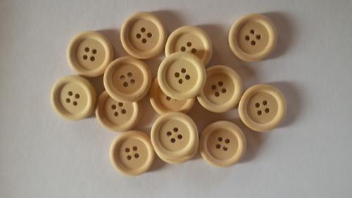 Dřevěné knoflíky malé (2ks)