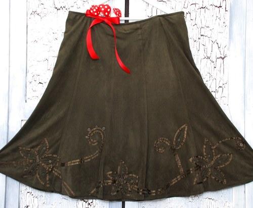 Mechová sukně se saténovými kvítky