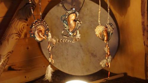 Stvoření šamanského šperku - individuální proces