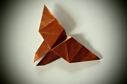 Origami motýlek - bronzový s leskem