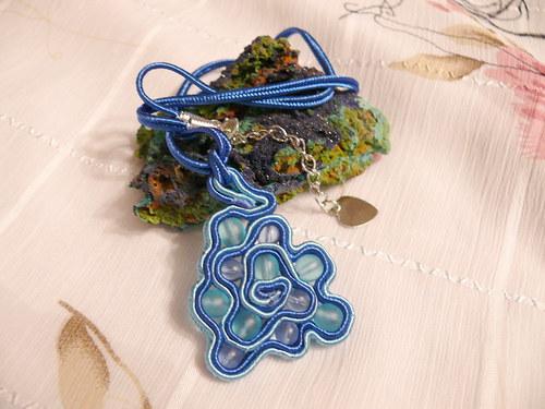 Modro-modrý náhrdelník