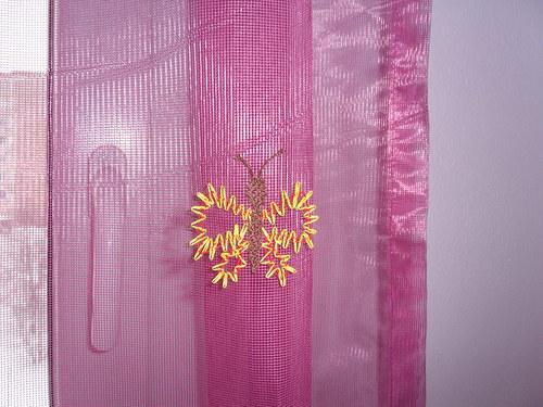Paličkovaný motýlek žlutočervený