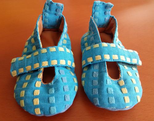 Modré kostičkové botky na suchý zip
