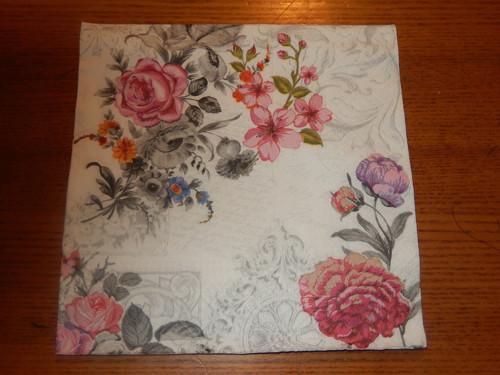 Ubrousek na decoupage - květinové aranžmá