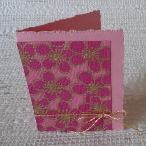 Růžová kartička