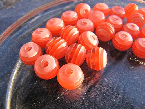 Proužkované korálky,10 kusů