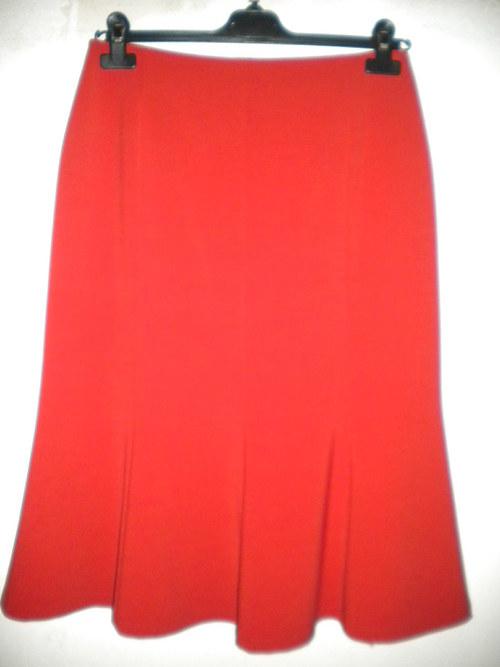 osmidílná krátká sukně