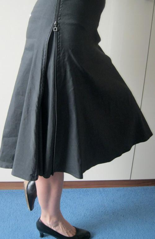 Sukně se zipy