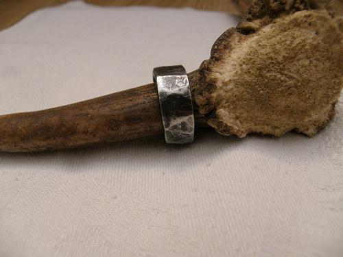 kovaný prsten