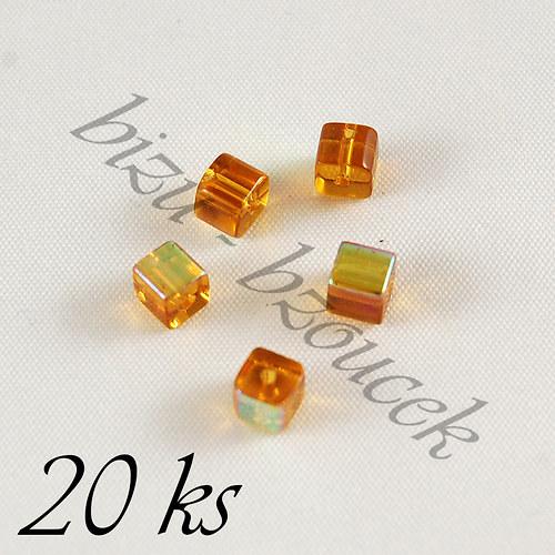 Oranžovohnědé kostičky s pokovem 4mm