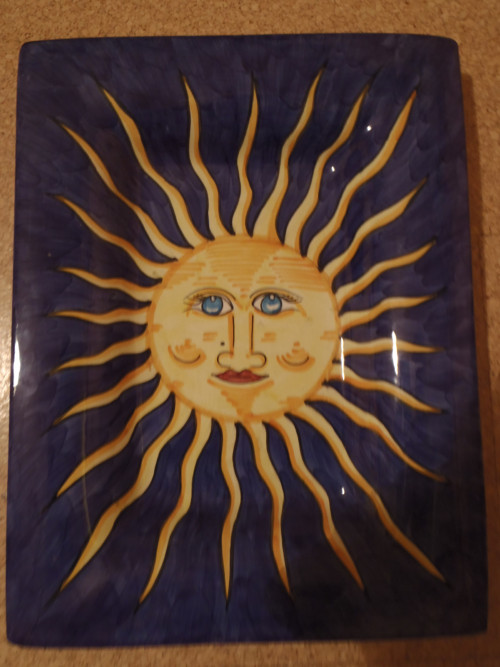 Slunce na zdi