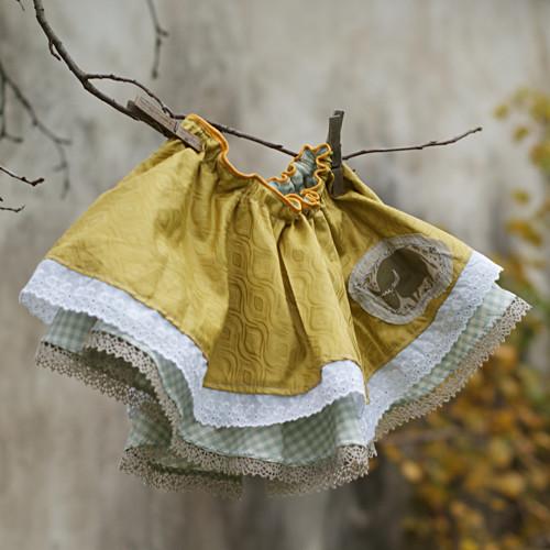 Zlatá.. točící sukně vel. 3-4 roky