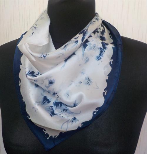 Malý šátek z hedvábí—Květiny 7