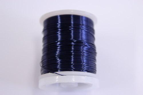 Měděný drátek 0,5mm - tm.modrý, návin 19-21m