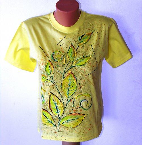 Malované tričko s listy