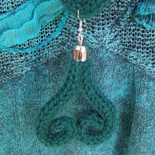 Pletená souprava(náhrdelník, náušnice)