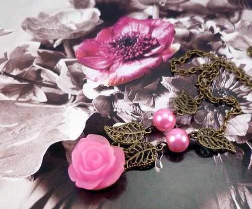 náhrdelník a náušnice růže s lístky