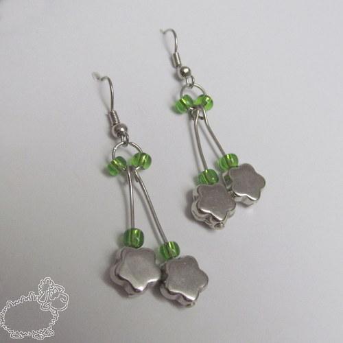 zelené kytičkové náušnice