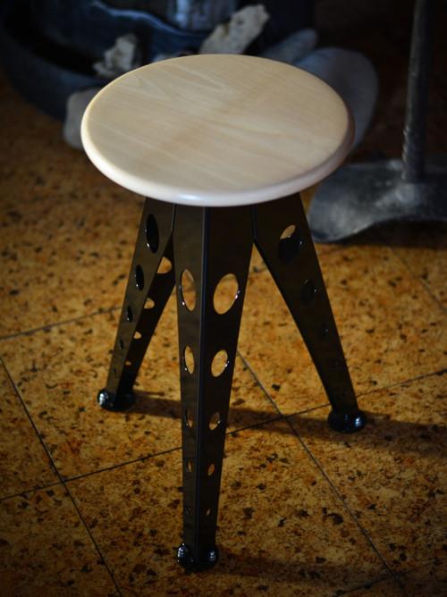 Industriální stolička - klasik (černá)