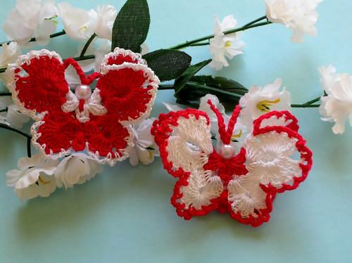 Háčkovaný motýlek - 2 ks - neškrobený, červený
