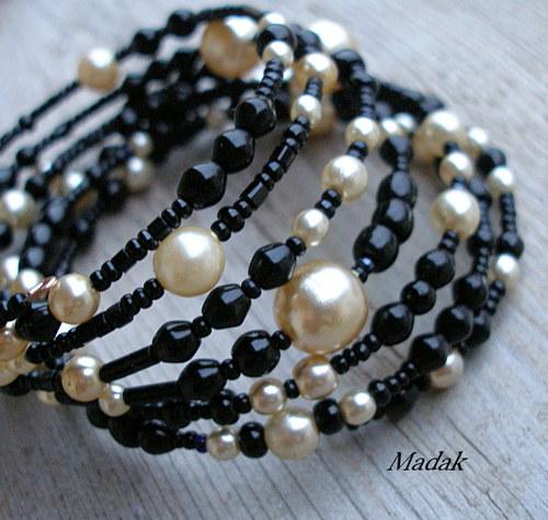 Black pearls ........... náramek