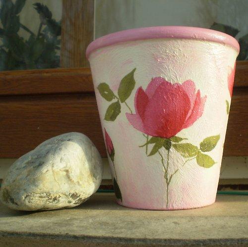 Květník s růžemi