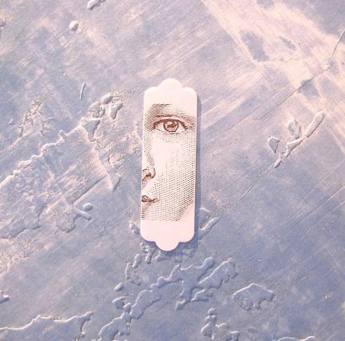 Visačka s portrétem dívky  (inkoustový otisk)
