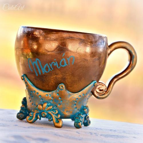 Vzácná bytost - šálek na kafe s jménem