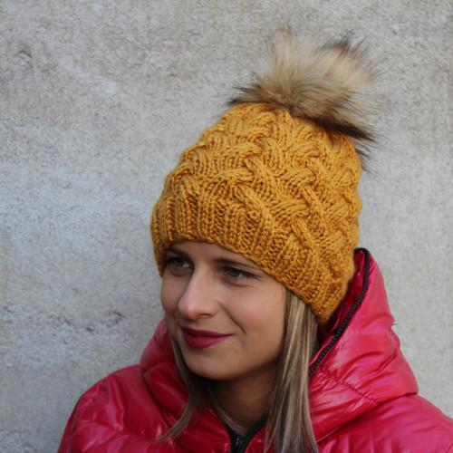 Pletená dámská čepice