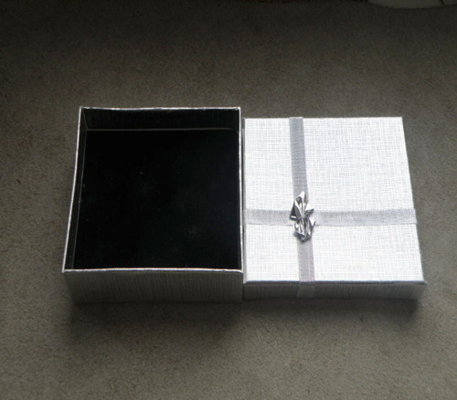 Dárková krabička na šperky.....