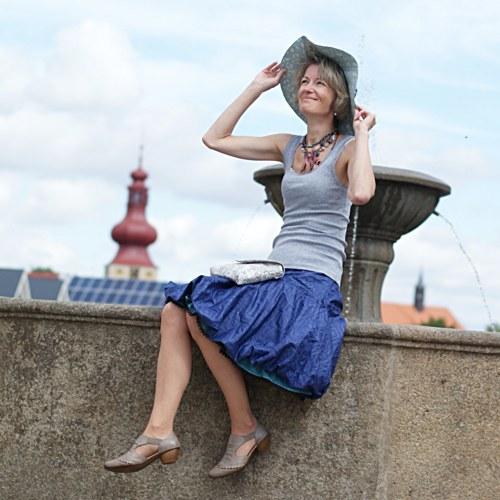 Balónem do Jeníkova...dámská sukně vel M