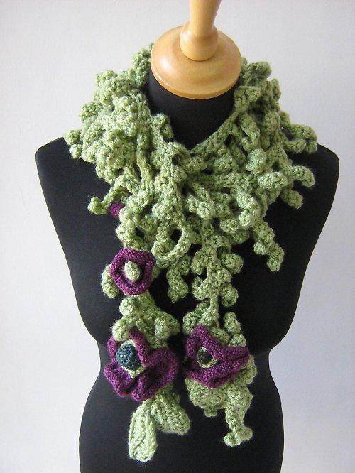 Zelená háčkovaná šála