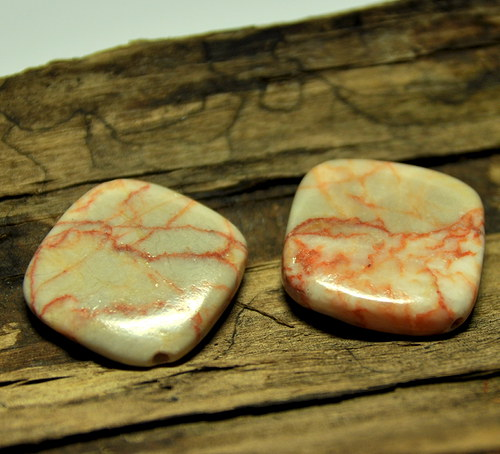 Marble kosočtverec 25 mm vrtaný