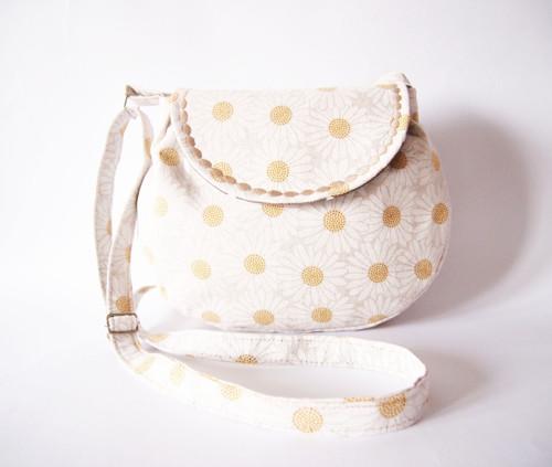 Malá režná kabelka - kopretiny