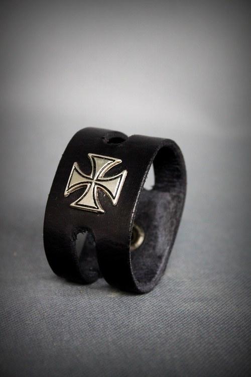 Kožený náramek Maltézské kříže