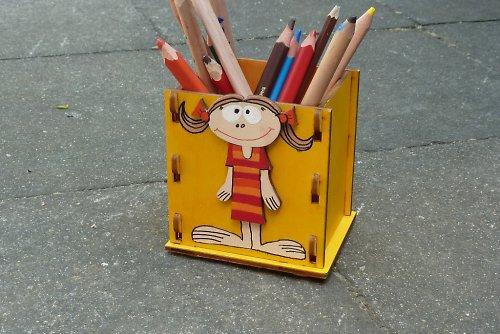 Stojánek nejen na tužky PIPI